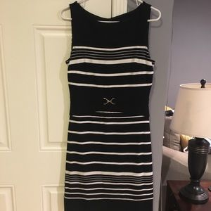EUC Women's White House Black Market Sheath Dress